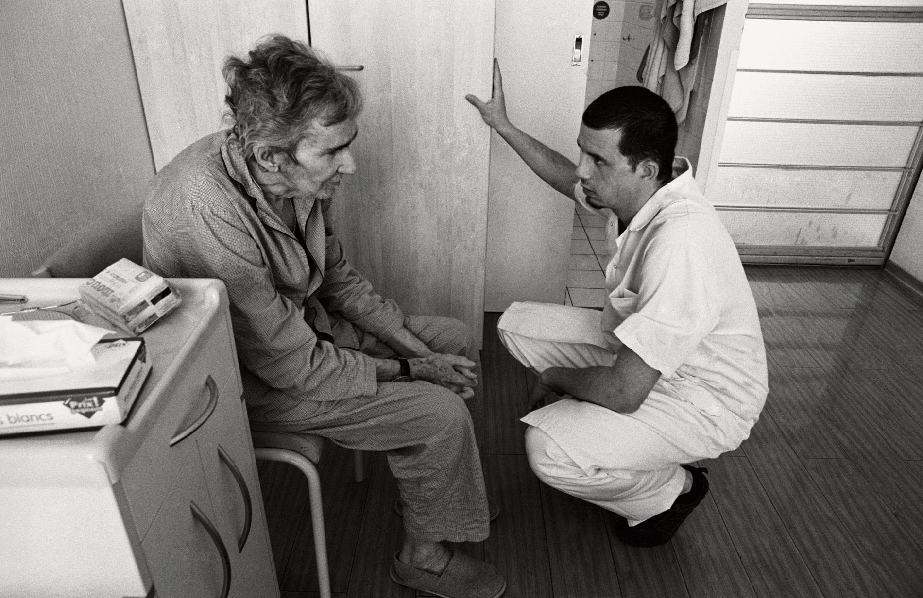 expo-sorbonne-le-temps-dun-regard-paris-aide-soignant-et-patient
